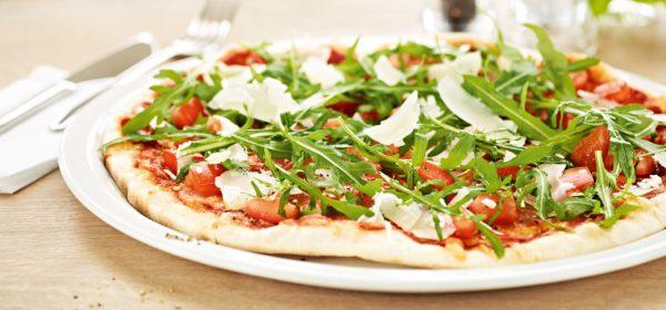 pizza z pieca poznań prosciutto crudo